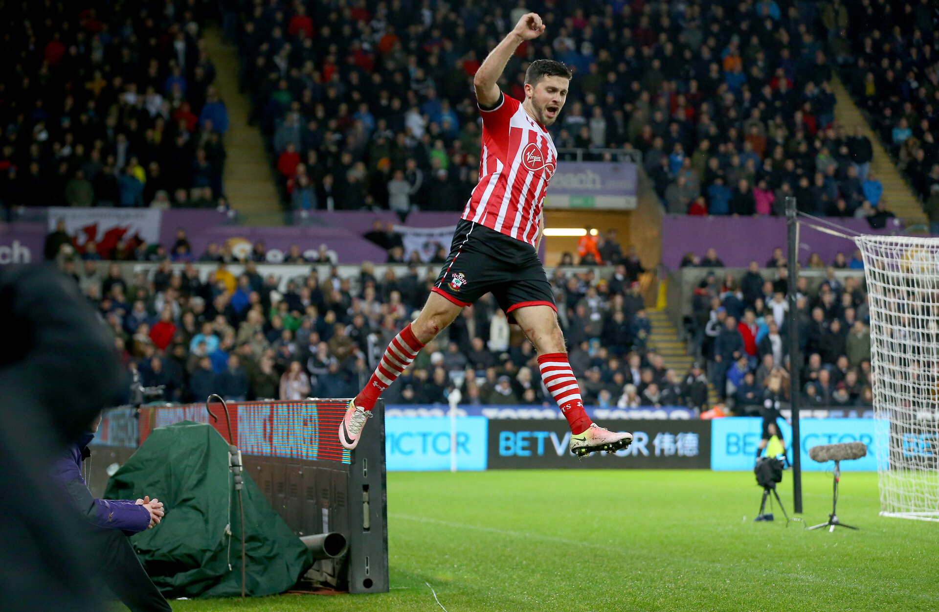 Shane Long celebrates during the Premier League match between Swansea City and Southampton at the Liberty Stadium, Swansea, Wales on 31 January 2017. Photo by Matt Watson/SFC/Digital South.