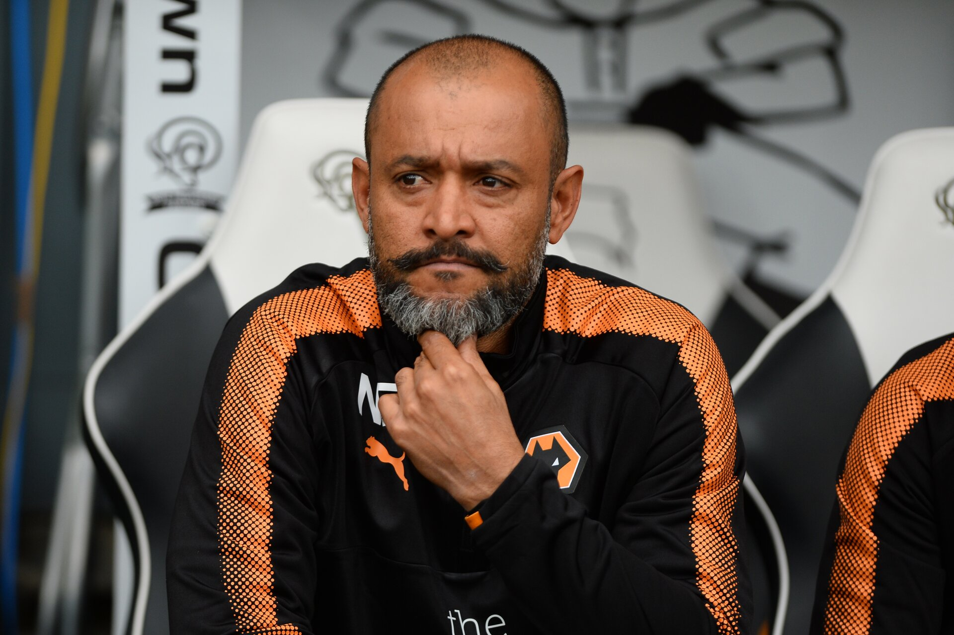 DERBY, ENGLAND - AUGUST 12: Nuno Espírito Santo manager of Wolves looks on during the Sky Bet Championship match between Derby County and Wolverhampton at iPro Stadium on August 12, 2017 in Derby, England. (Photo by Nathan Stirk/Getty Images)