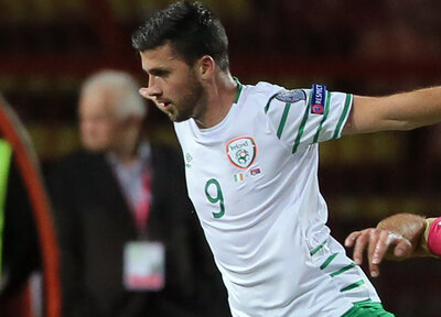 Long helps Ireland to important draw
