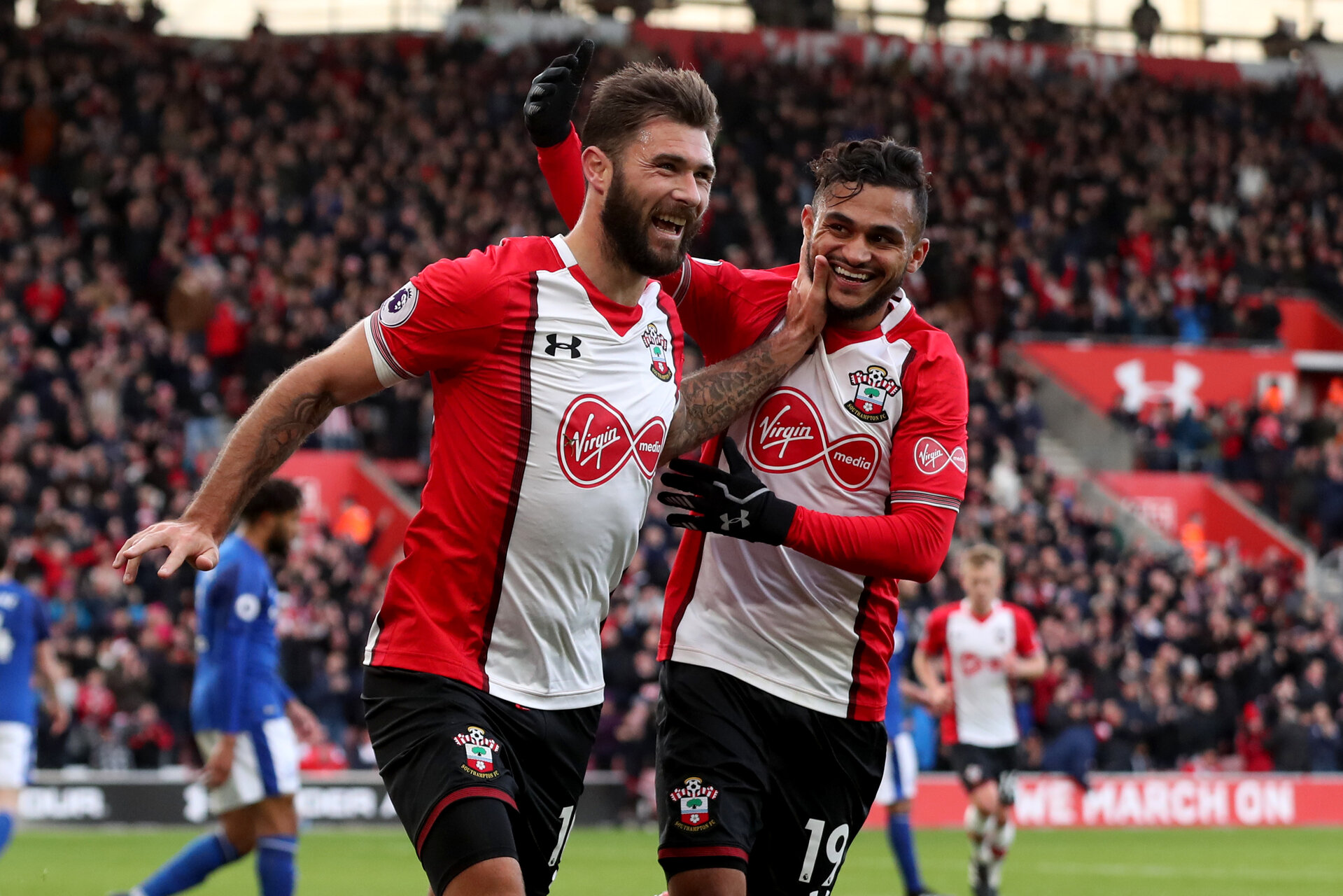 SOUTHAMPTON, ENGLAND - NOVEMBER 26: Southampton's Charlie Austin(L) celebrates with Sofiane boufal during the Premier League match between Southampton and Everton at St Mary's Stadium on November 26, 2017 in Southampton, England. (Photo by Matt Watson/Southampton FC via Getty Images)