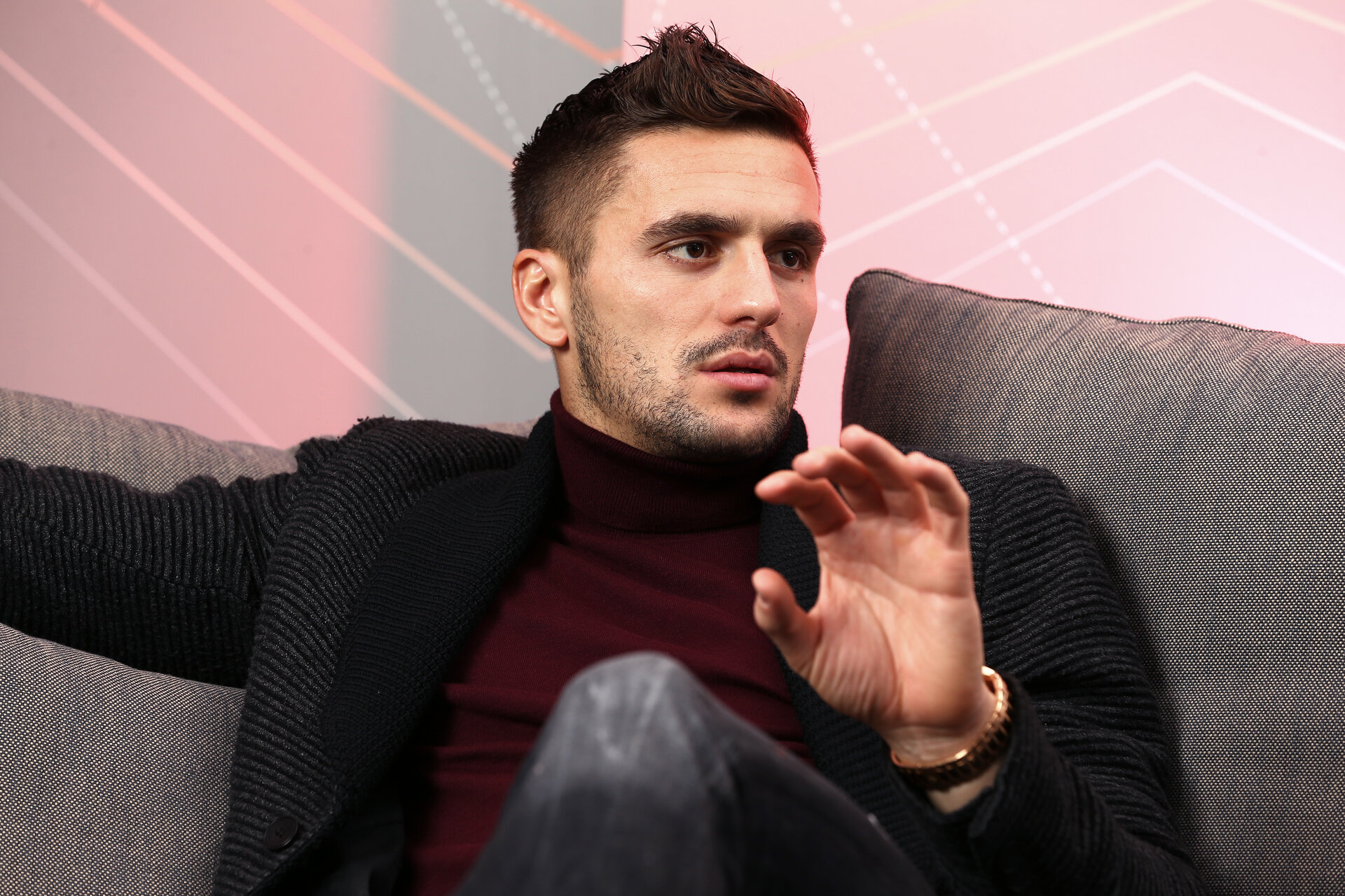 SOUTHAMPTON, ENGLAND - DECEMBER 22: Dusan Tadi? of Southampton FC during an interview and photoshoot for the Match day magazine at Staplewood Training Complex on December 22, 2017 in Southampton, England. (Photo by James Bridle - Southampton FC/Southampton FC via Getty Images) SOUTHAMPTON, ENGLAND - DECEMBER 22: Dusan Tadić of Southampton FC during an interview and photoshoot for the Match day magazine at Staplewood Training Complex on December 22, 2017 in Southampton, England. (Photo by James Bridle - Southampton FC/Southampton FC via Getty Images)