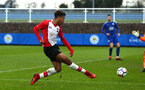 SOUTHAMPTON, ENGLAND - JANUARY 27: Enzo Robise (middle) during the match between Southampton FC and Leicester FC U18s at Leicester FC Training ground on January 27, 2018 in Southampton, England. (Photo by James Bridle / Southampton FC via Getty Images)