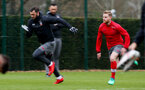 SOUTHAMPTON, ENGLAND - MARCH 29: Charlie Austin(L) and Josh Sims(R) during a Southampton FC training session at the Staplewood Campus on March 29, 2018 in Southampton, England. (Photo by Matt Watson/Southampton FC via Getty Images)
