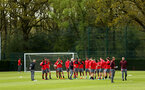 SOUTHAMPTON, ENGLAND - APRIL 24: Mark Hughes talks to the players during an open training session with Southampton FC at Staplewood Complex on April 24, 2018 in Southampton, England. (Photo by James Bridle - Southampton FC/Southampton FC via Getty Images)