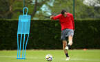 SOUTHAMPTON, ENGLAND - APRIL 26: Manolo Gabbiadini (right) during a Southampton FC training session at Staplewood Complex on April 26, 2018 in Southampton, England. (Photo by James Bridle - Southampton FC/Southampton FC via Getty Images)