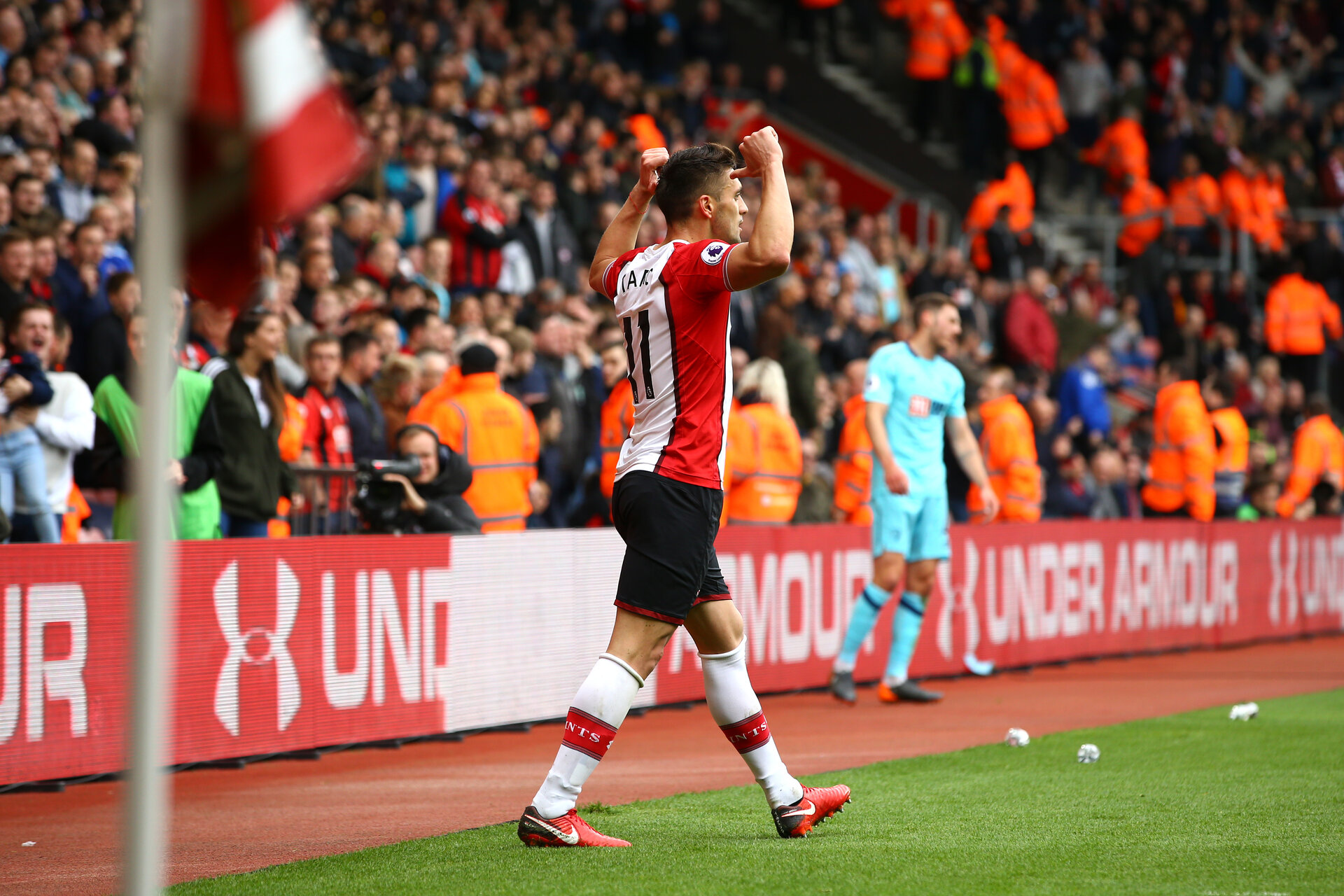 SOUTHAMPTON, ENGLAND - APRIL 28: Dusan Tadic scores for Southampton FC during the Premier League match between Southampton and AFC Bournemouth at St Mary's Stadium on April 28, 2018 in Southampton, England. (Photo by James Bridle - Southampton FC/Southampton FC via Getty Images)