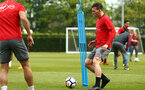 SOUTHAMPTON, ENGLAND - MAY 11: Pierre-Emile H¿jbjerg (right) during a Southampton FC training session at Staplewood Complex on May 11, 2018 in Southampton, England. (Photo by James Bridle - Southampton FC/Southampton FC via Getty Images) SOUTHAMPTON, ENGLAND - MAY 11: Pierre-Emile Højbjerg (right) during a Southampton FC training session at Staplewood Complex on May 11, 2018 in Southampton, England. (Photo by James Bridle - Southampton FC/Southampton FC via Getty Images)