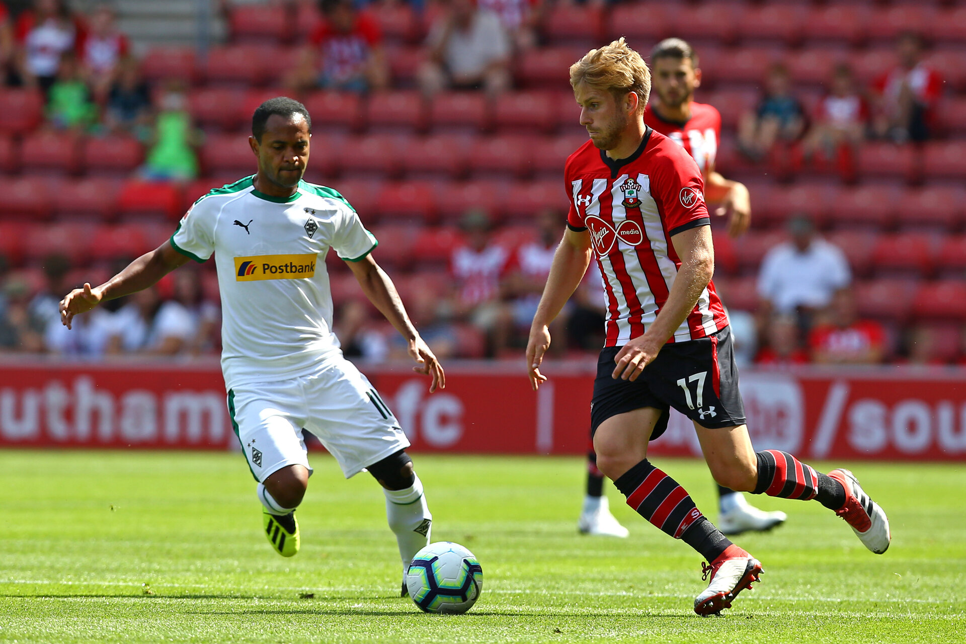 SOUTHAMPTON, ENGLAND - AUGUST 04: Stuart Armstrong (right) of Southampton FC during the Pre-Season friendly match between Southampton FC and Borussia Mšnchengladbach pictured at St Mary's Stadium on August 4, 2018 in Southampton, England. (Photo by James Bridle - Southampton FC/Southampton FC via Getty Images) SOUTHAMPTON, ENGLAND - AUGUST 04: Stuart Armstrong (right) of Southampton FC during the Pre-Season friendly match between Southampton FC and Borussia Mönchengladbach pictured at St Mary's Stadium on August 4, 2018 in Southampton, England. (Photo by James Bridle - Southampton FC/Southampton FC via Getty Images)