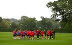 SOUTHAMPTON, ENGLAND - AUGUST 16: Mark Hughes speaks to all players during a Southampton FC training session at Staplewood Complex on August 16, 2018 in Southampton, England. (Photo by James Bridle - Southampton FC/Southampton FC via Getty Images)