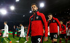 SOUTHAMPTON, ENGLAND - SEPTEMBER 17: Danny Ings (middle) of Southampton FC  ahead of Kick off for the Premier League match between Southampton FC and Brighton & Hove Albion at St Mary's Stadium on September 17, 2018 in Southampton, United Kingdom. (Photo by James Bridle - Southampton FC/Southampton FC via Getty Images)