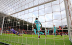 SOUTHAMPTON, ENGLAND - OCTOBER 27: Southampton cant find a way past Newcastle goalkeeper Martin Dubravika during the Premier League match between Southampton FC and Newcastle United at St Mary's Stadium on October 27, 2018 in Southampton, United Kingdom. (Photo by Matt Watson/Southampton FC via Getty Images)