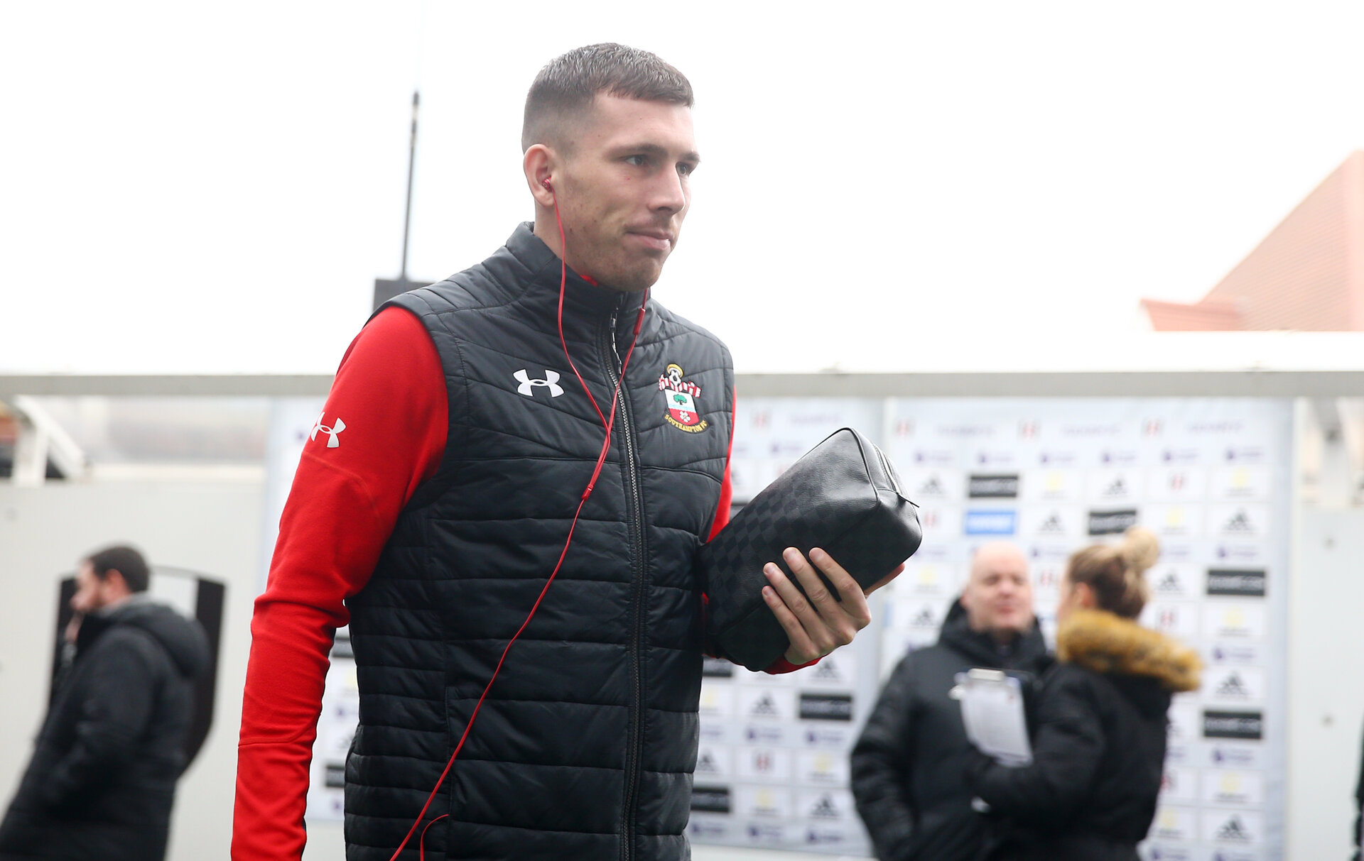 LONDON, ENGLAND - NOVEMBER 24: Pierre-Emile Hojbjerg of Southampton ahead of the Premier League match between Fulham FC and Southampton FC at Craven Cottage on November 24, 2018 in London, United Kingdom. (Photo by Matt Watson/Southampton FC via Getty Images)