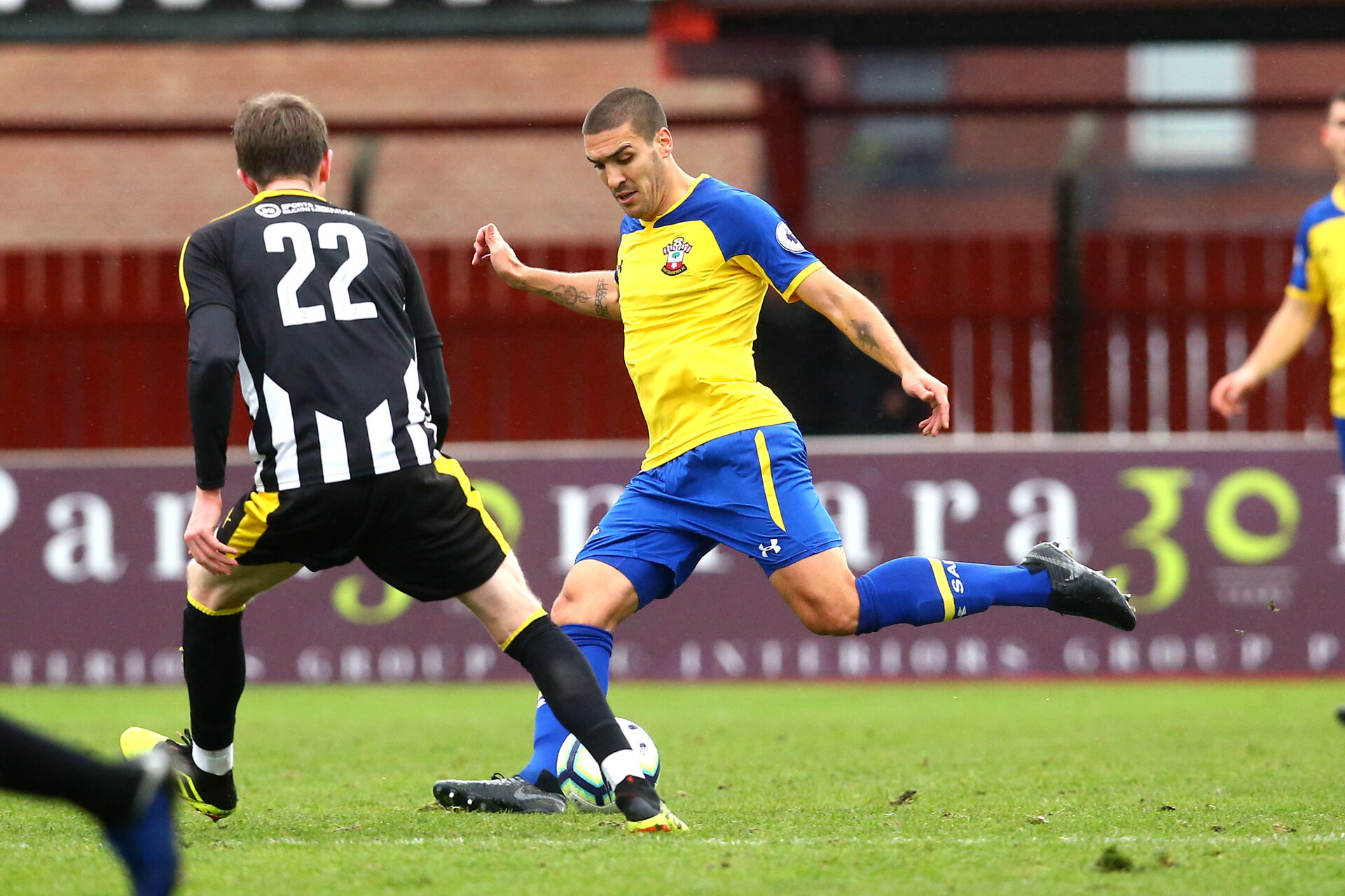 NOTTINGHAM, ENGLAND - NOVEMBER 28: Oriol Romeu during the Cup match between Notts County and Southampton at IIklestone Town FC on November 28, 2018 in Nottingham, England. (Photo by James Bridle - Southampton FC/Southampton FC via Getty Images)