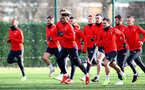 SOUTHAMPTON, ENGLAND - JANUARY 14: Mario Lemina(centre) and players warm up during a Southampton FC training session at the Staplewood Campus on January 14, 2019 in Southampton, England. (Photo by Matt Watson/Southampton FC via Getty Images)