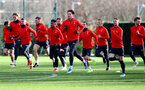 SOUTHAMPTON, ENGLAND - JANUARY 14: Sam Gallagher(centre) and players warm up during a Southampton FC training session at the Staplewood Campus on January 14, 2019 in Southampton, England. (Photo by Matt Watson/Southampton FC via Getty Images)