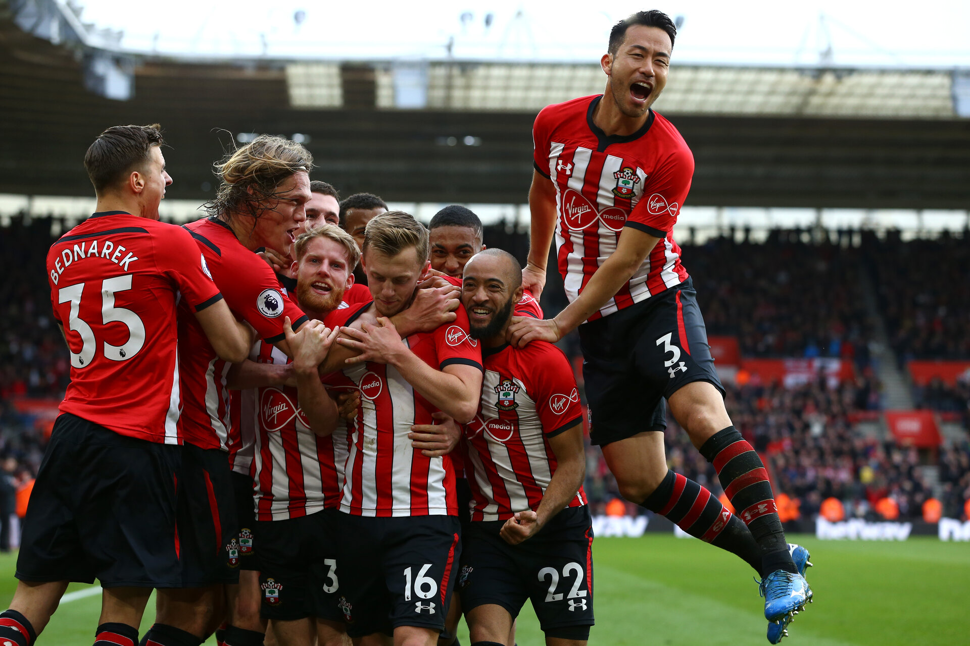 SOUTHAMPTON, ENGLAND - MARCH 09:  James Ward-Prowse scores and celebrates with Ryan Bertrand, Yan Valery, Josh Sims, Jan Bednarek during the Premier League match between Southampton FC and Tottenham Hotspur at St Mary's Stadium on March 09, 2019 in Southampton, United Kingdom. (Photo by James Bridle - Southampton FC/Southampton FC via Getty Images)