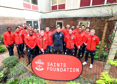 Gallery: Saints lift spirits with hospital visit