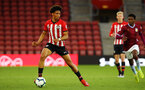 SOUTHAMPTON, ENGLAND - MAY 03: Oludare Olufunwa (left) of Southampton during the U23s PL2 Play off Semi-Final between Southampton FC and Aston Villa FC pictured at St Mary's Stadium on May 03, 2019 in Southampton, England. (Photo by James Bridle - Southampton FC/Southampton FC via Getty Images)