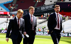 LONDON, ENGLAND - MAY 04: L to R Josh Sims, Matt Targett and Jack Stephens of Southampton ahead of the Premier League match between West Ham United and Southampton FC at the London Stadium on May 04, 2019 in London, United Kingdom. (Photo by Matt Watson/Southampton FC via Getty Images)