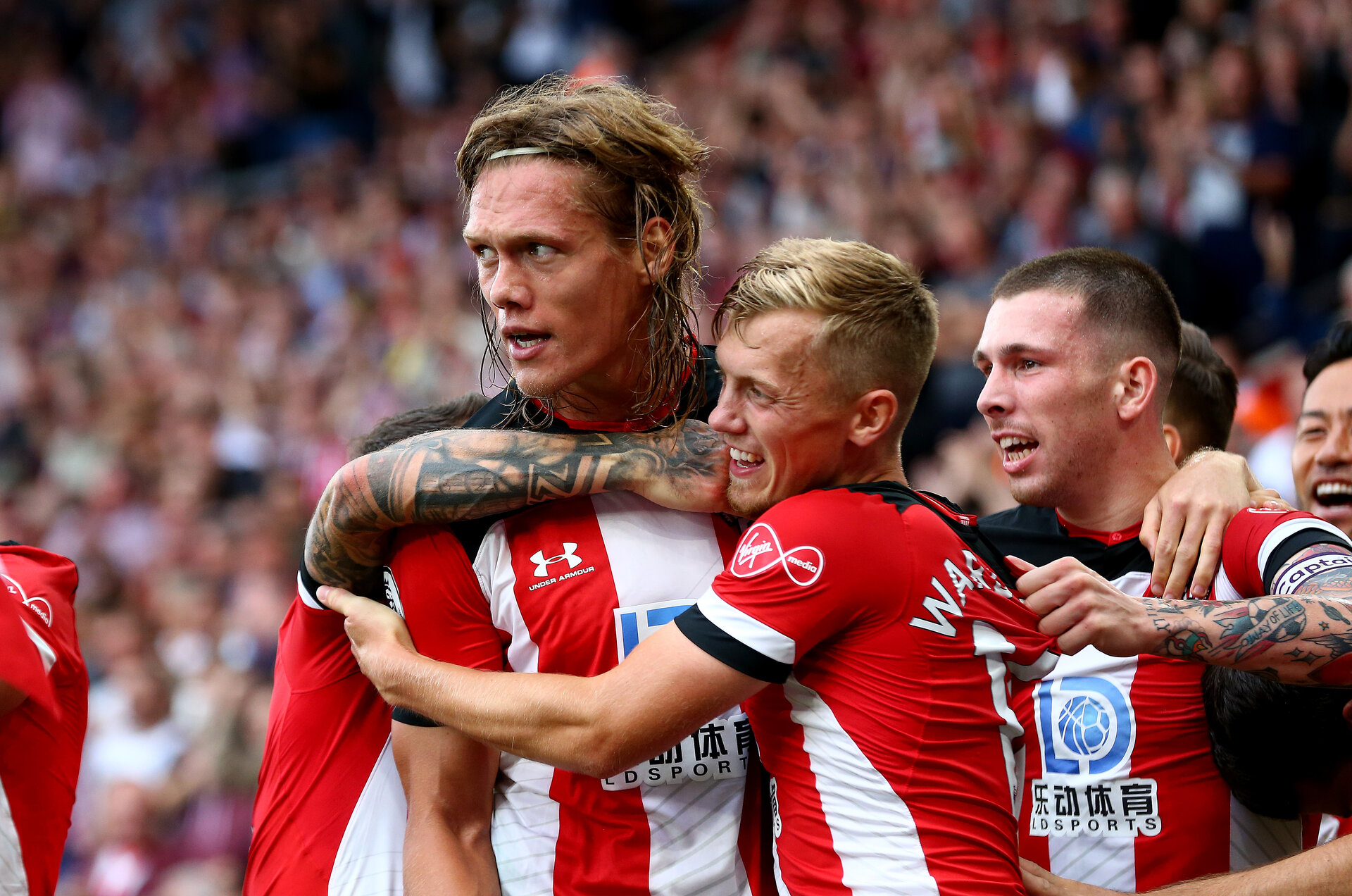 SOUTHAMPTON, ENGLAND - AUGUST 31: Jannik Vestergaard of Southampton celebrates with his team mates during the Premier League match between Southampton FC and Manchester United at St Mary's Stadium on August 31, 2019 in Southampton, United Kingdom. (Photo by Matt Watson/Southampton FC via Getty Images)