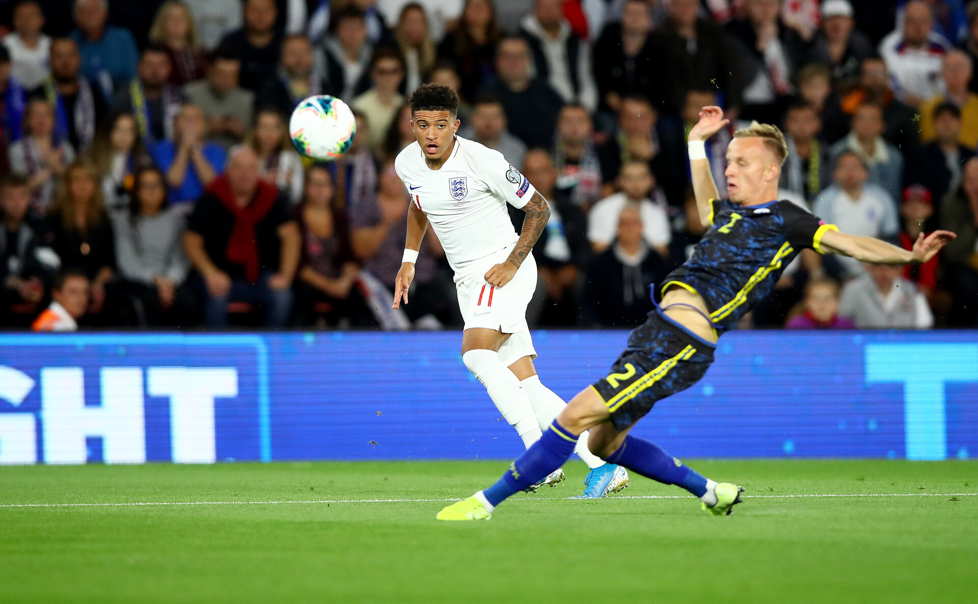 SOUTHAMPTON, ENGLAND - SEPTEMBER 10: Jadon Sancho(L) of England during the UEFA Euro 2020 qualifier match between England and Kosovo at St. Mary's Stadium on September 10, 2019 in Southampton, England. (Photo by Matt Watson/Southampton FC via Getty Images)