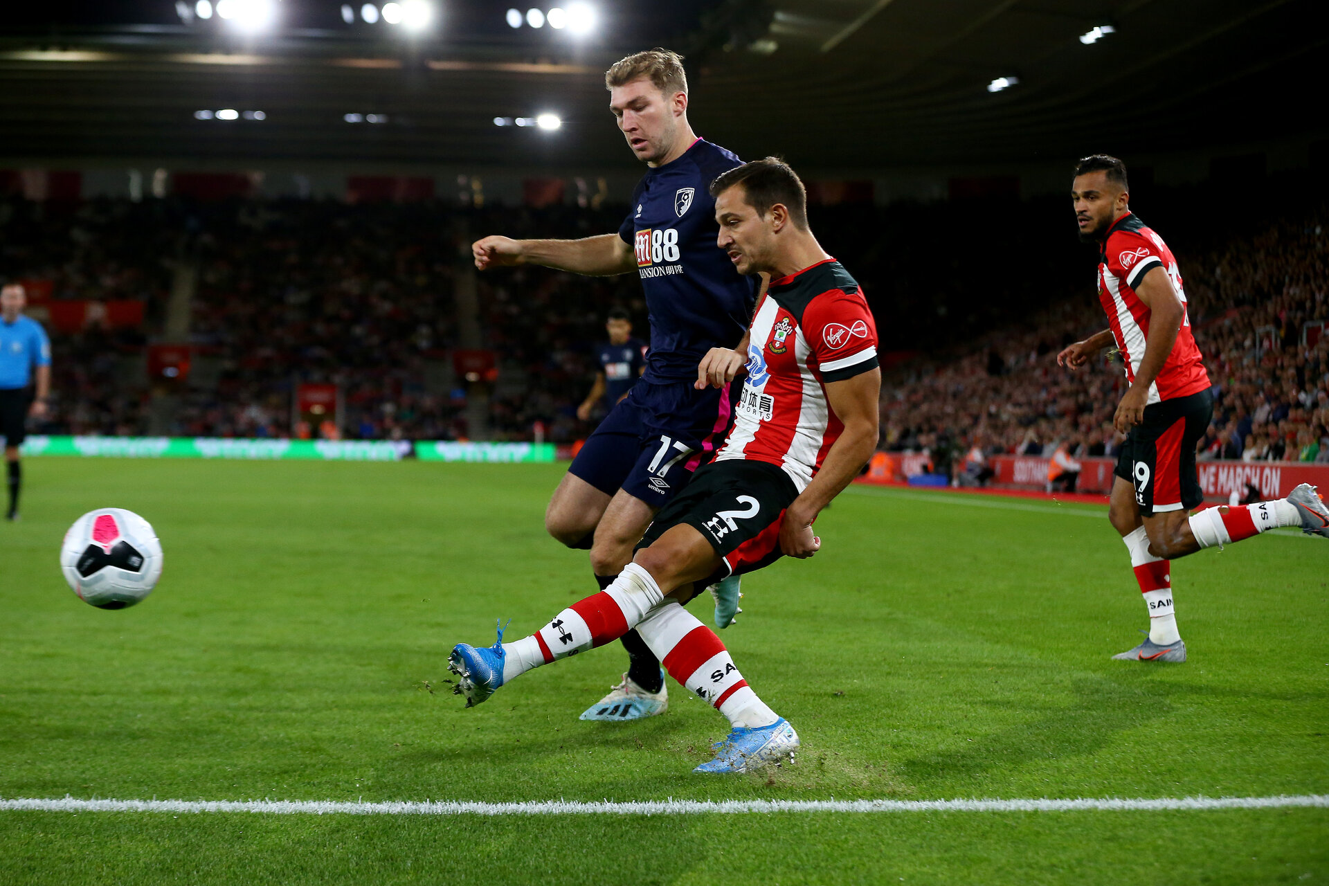 SOUTHAMPTON, ENGLAND - SEPTEMBER 20: Cedric Soares of Southampton gets a cross in during the Premier League match between Southampton FC and AFC Bournemouth  at St Mary's Stadium on September 20, 2019 in Southampton, United Kingdom. (Photo by Matt Watson/Southampton FC via Getty Images)