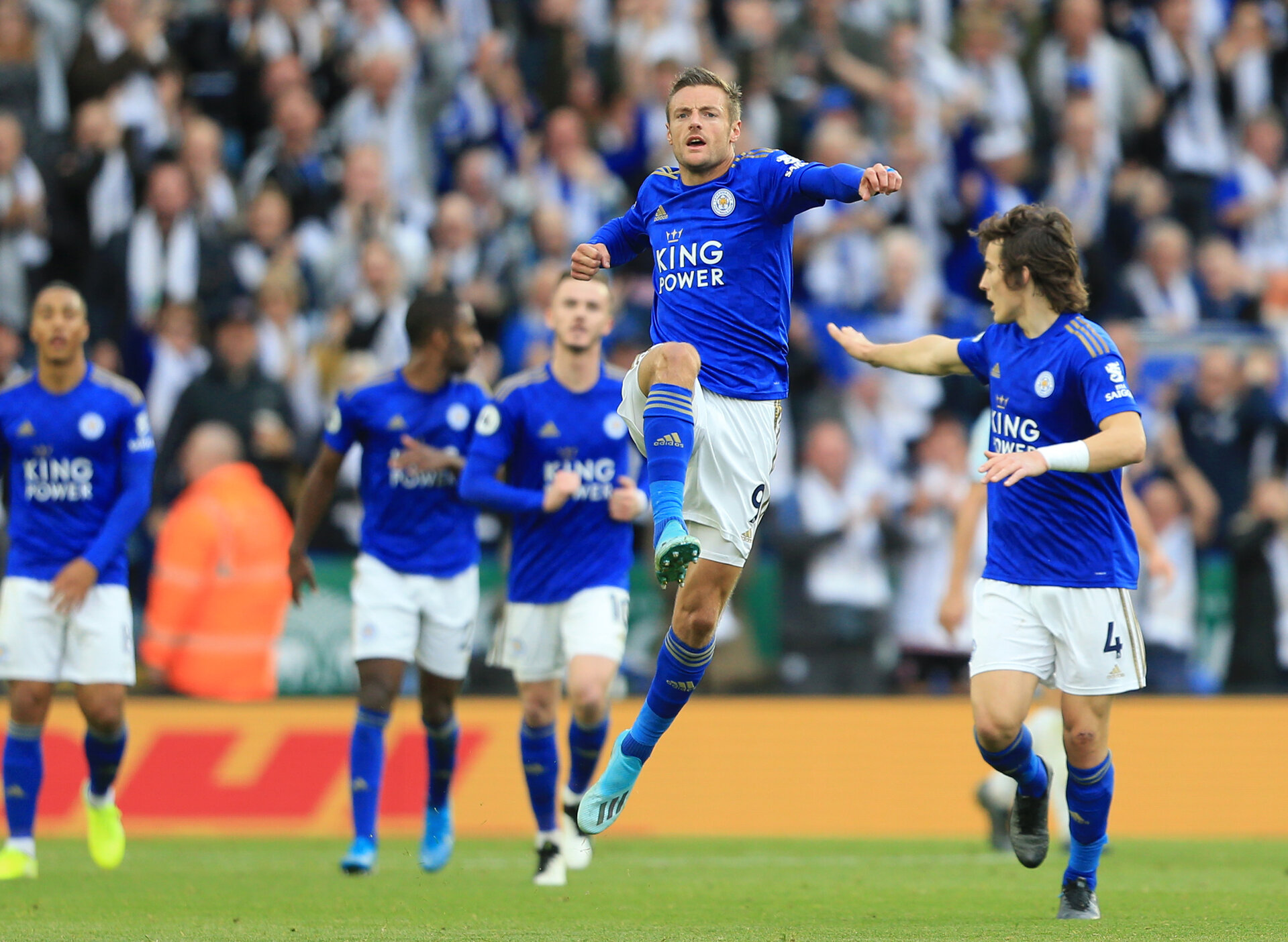LEICESTER, ENGLAND - OCTOBER 19: Jamie Vardy of Leicester City celebrates after scoring his team's first goal during the Premier League match between Leicester City and Burnley FC at The King Power Stadium on October 19, 2019 in Leicester, United Kingdom. (Photo by Stephen Pond/Getty Images)