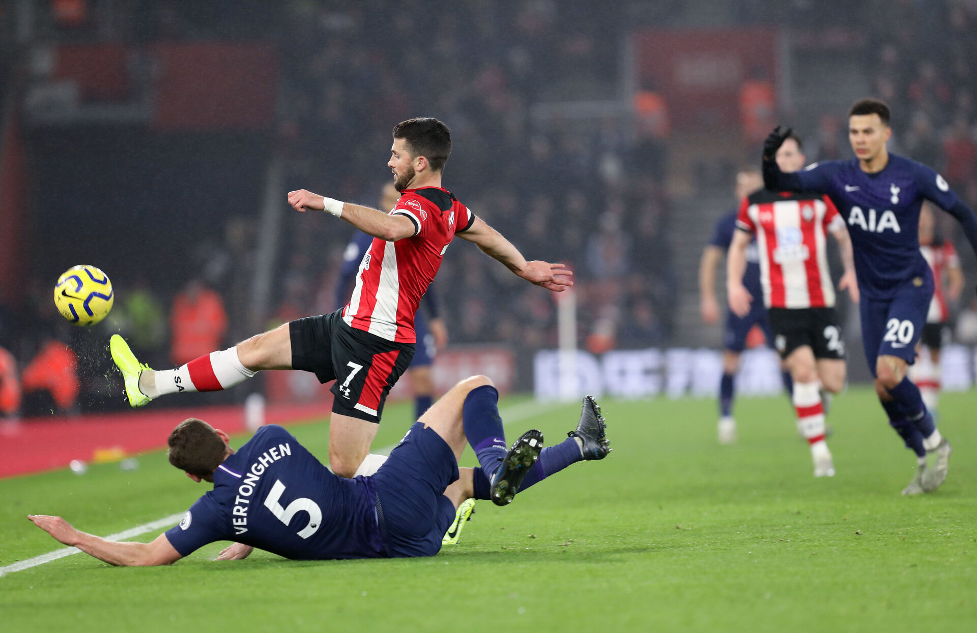 SOUTHAMPTON, ENGLAND - JANUARY 01: Shane Long during the Premier League match between Southampton FC and Tottenham Hotspur at St Mary's Stadium on January 1, 2020 in Southampton, United Kingdom. (Photo by Chris Moorhouse/Southampton FC via Getty Images)