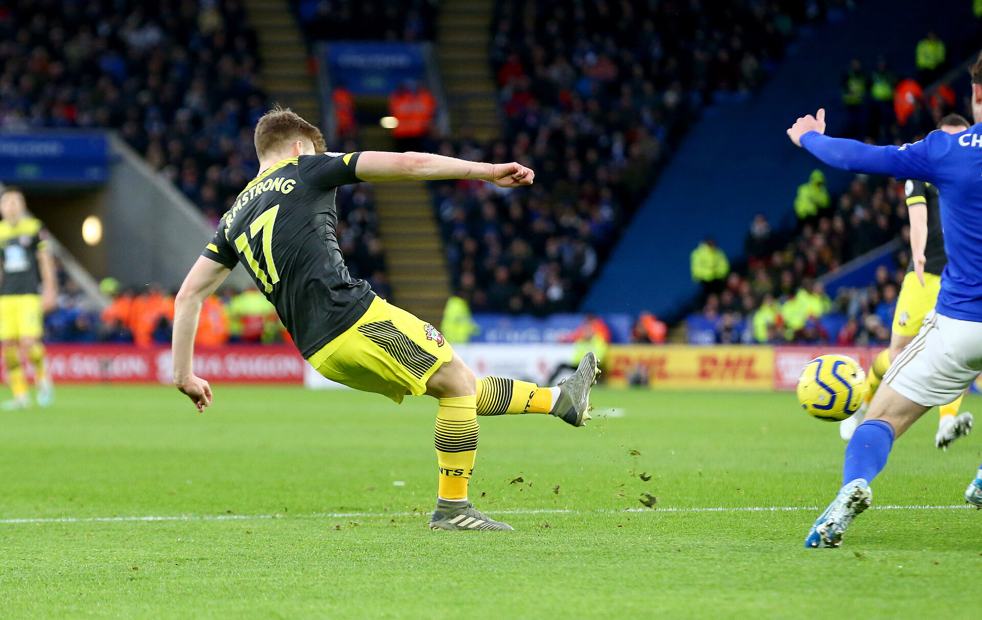 LEICESTER, ENGLAND - JANUARY 11: Stuart Armstrong of Southampton strikes to make it 1-1 during the Premier League match between Leicester City and Southampton FC at The King Power Stadium on January 11, 2020 in Leicester, United Kingdom. (Photo by Matt Watson/Southampton FC via Getty Images)