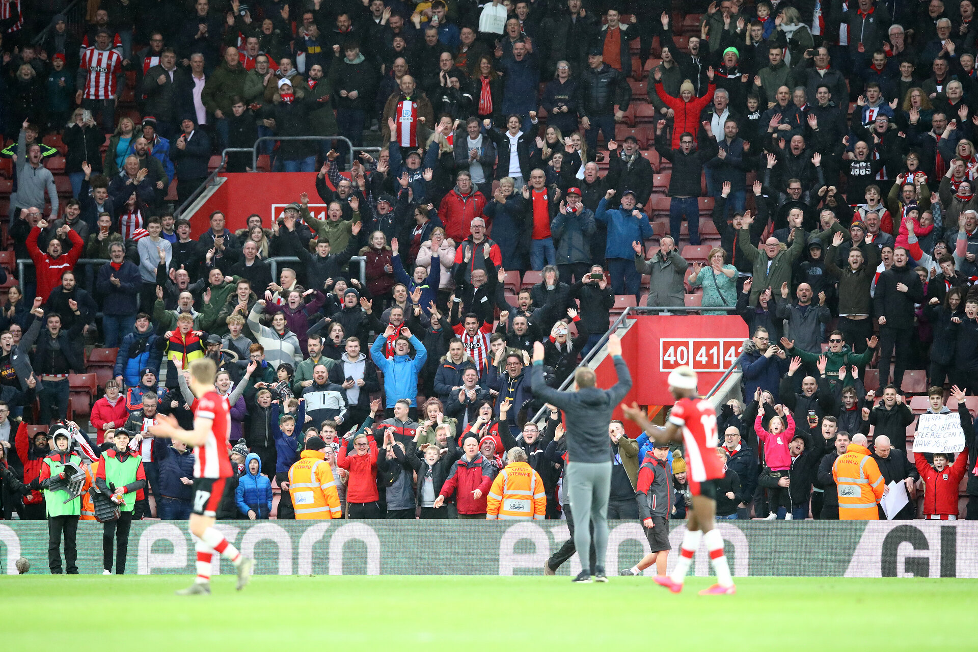 SOUTHAMPTON, ENGLAND - FEBRUARY 22: Southampton fans celebrate with Ralph Hasenhuttl during the Premier League match between Southampton FC and Aston Villa at St Mary's Stadium on February 22, 2020 in Southampton, United Kingdom. (Photo by Matt Watson/Southampton FC via Getty Images)