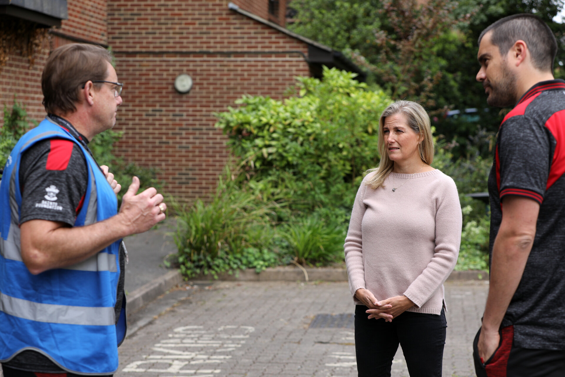 Visit of Sophie, Countess of Wessex, to Kerrigan Court, Westwood Rd, Southampton, where she met Paul Hedges, left, from Saints Foundation and learnt about his work Picture: Chris Moorhouse Tuesday 9th June 2020