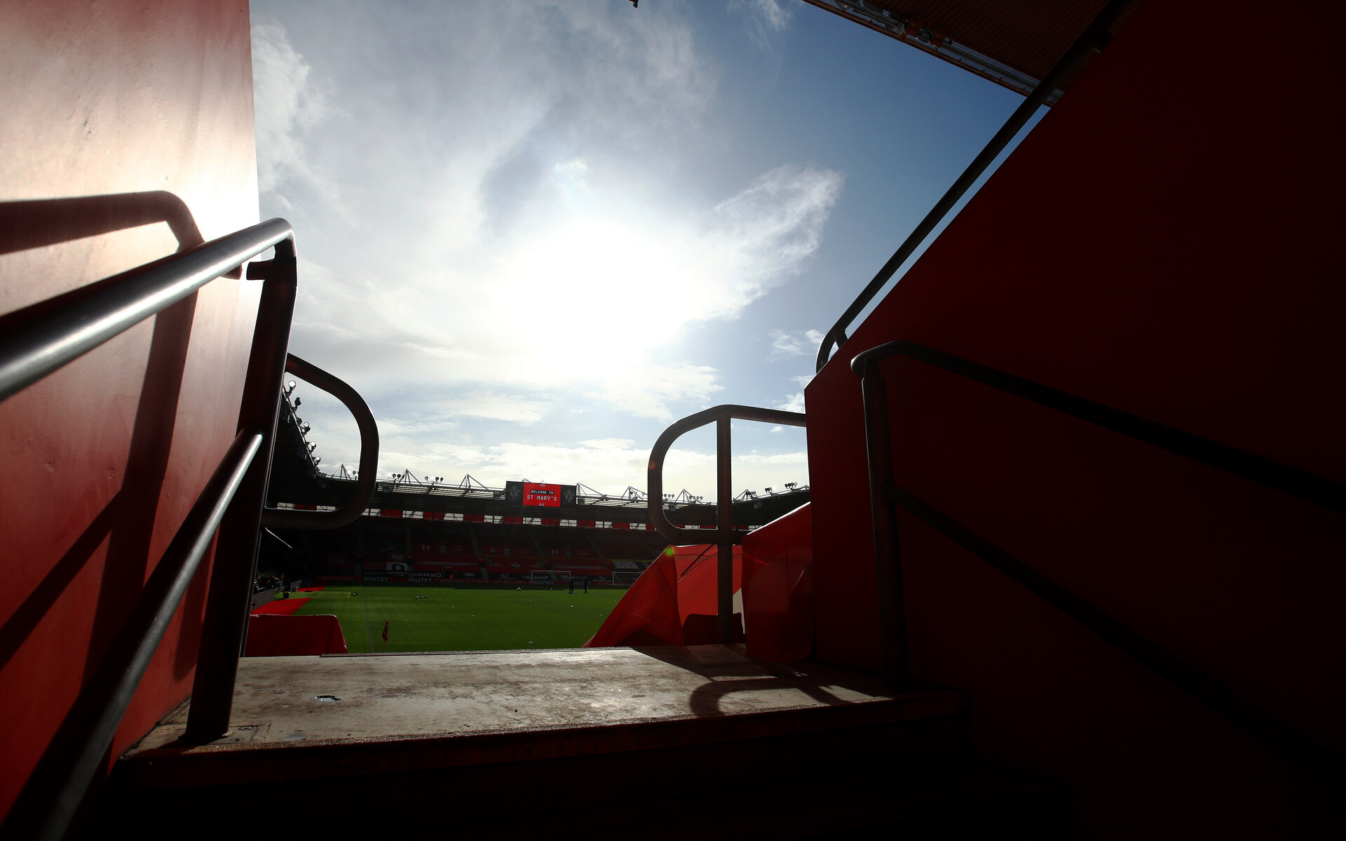 SOUTHAMPTON, ENGLAND - OCTOBER 25: A general view ahead of the Premier League match between Southampton and Everton at St Mary's Stadium on October 25, 2020 in Southampton, England. Sporting stadiums around the UK remain under strict restrictions due to the Coronavirus Pandemic as Government social distancing laws prohibit fans inside venues resulting in games being played behind closed doors. (Photo by Matt Watson/Southampton FC via Getty Images)