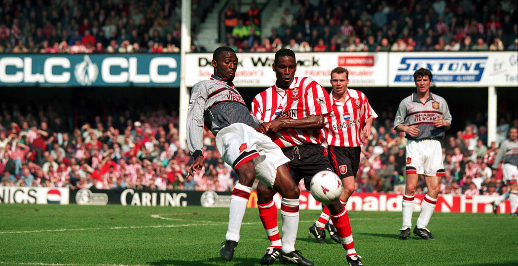 Southampton v Manchester United - Premiership - 14/04/1996  Southampton's Ken Monkou and Manchester United's Andy Cole  Mandatory Credit: Action Images