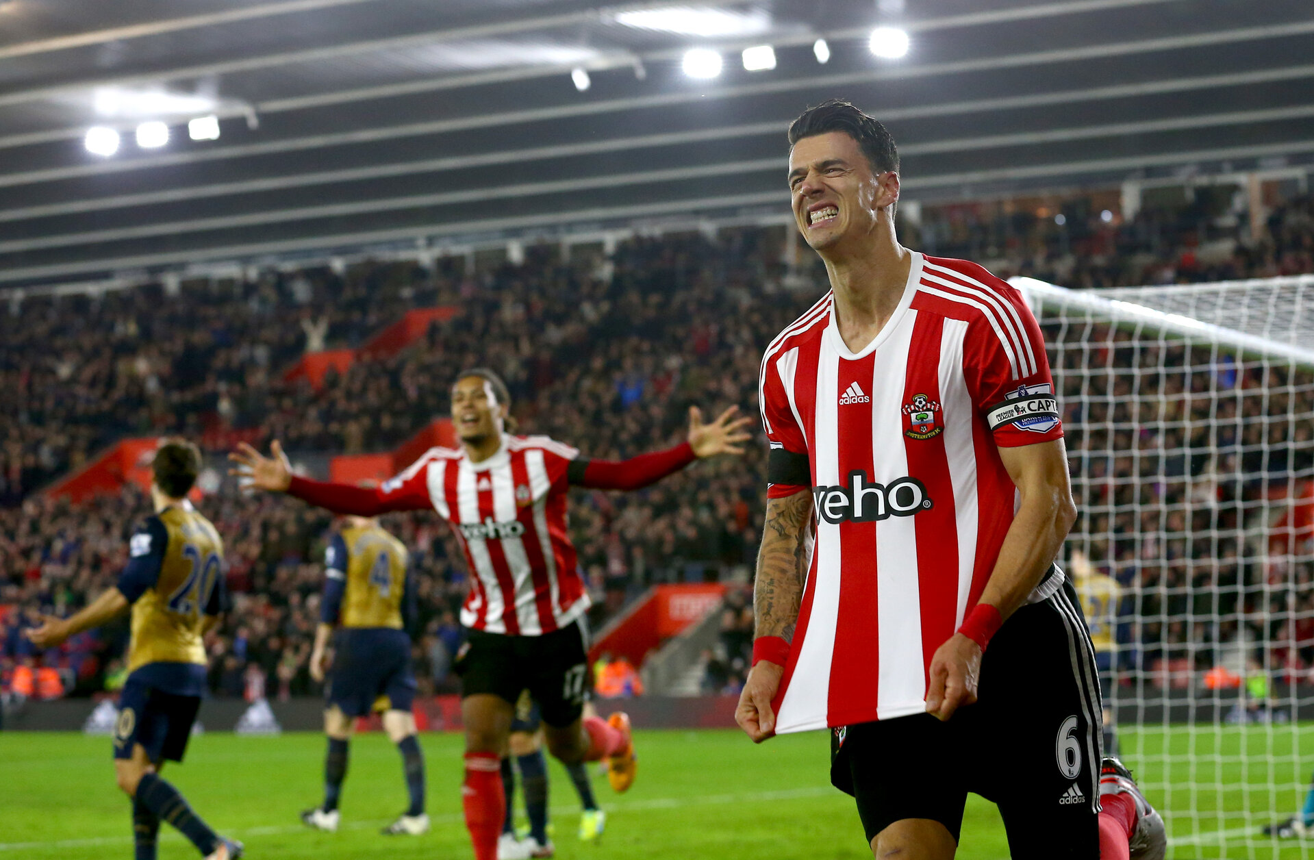 Jose Fonte celebrates during the Barclays Premier League match between Southampton and Arsenal at St Mary's Stadium, Southampton, England on 26 December 2015.