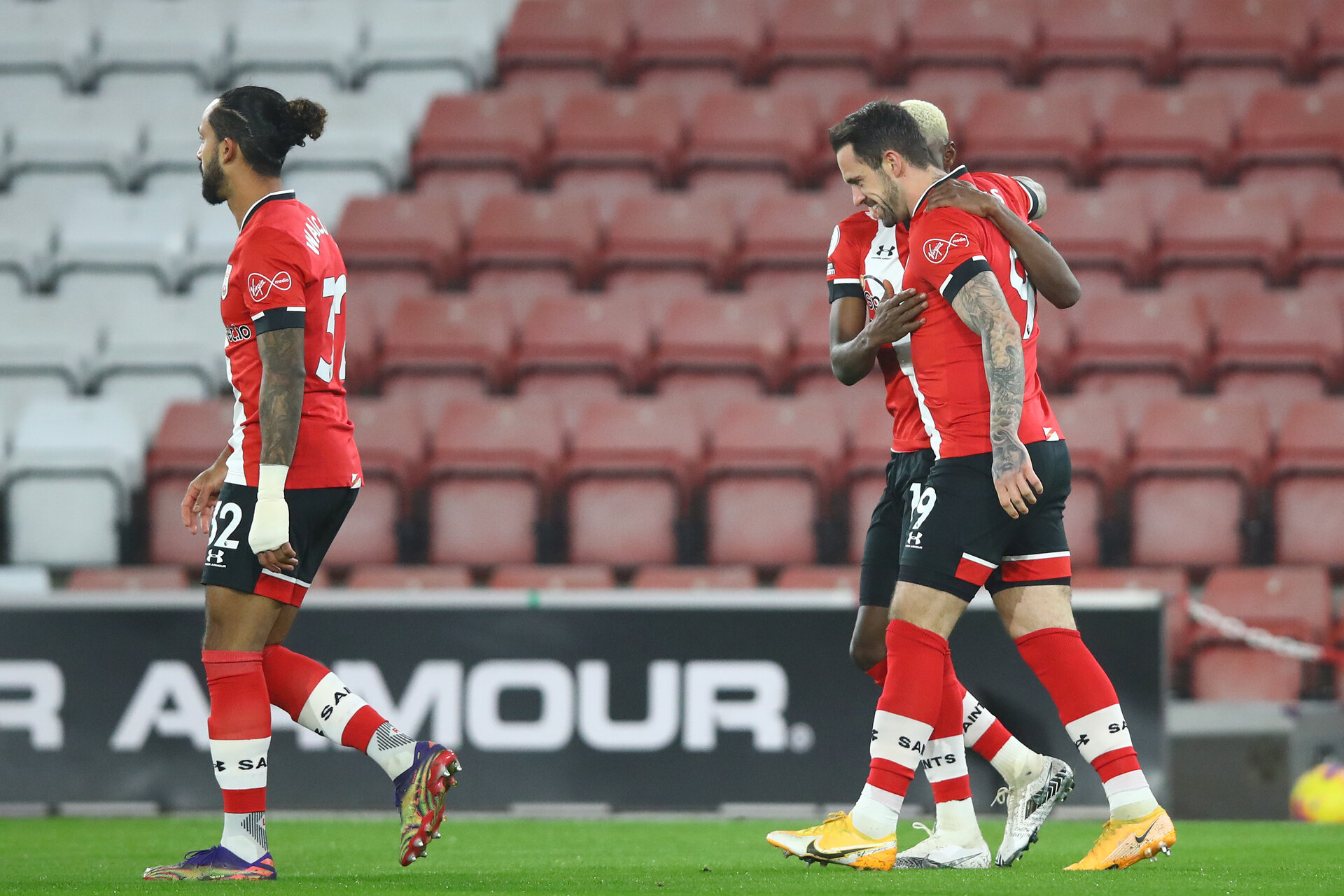 SOUTHAMPTON, ENGLAND - JANUARY 04: Danny Ings(R) of Southampton after opening the scoring during the Premier League match between Southampton and Liverpool at St Mary's Stadium on January 04, 2021 in Southampton, England. (Photo by Matt Watson/Southampton FC via Getty Images)