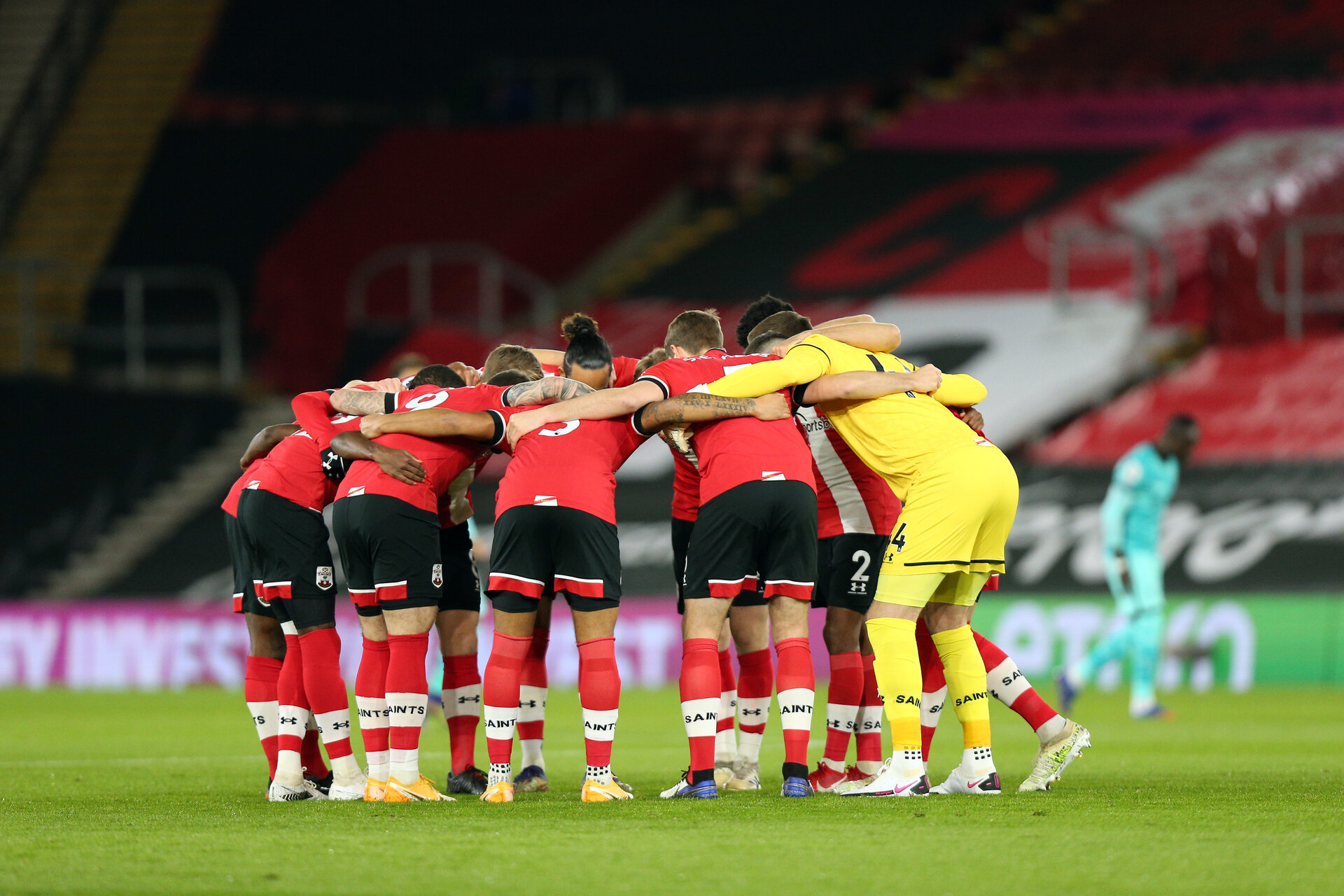 SOUTHAMPTON, ENGLAND - JANUARY 04: Saints huddle during the Premier League match between Southampton and Liverpool at St Mary's Stadium on January 2, 2021 in Southampton, United Kingdom. (Photo by Chris Moorhouse/Southampton FC via Getty Images)