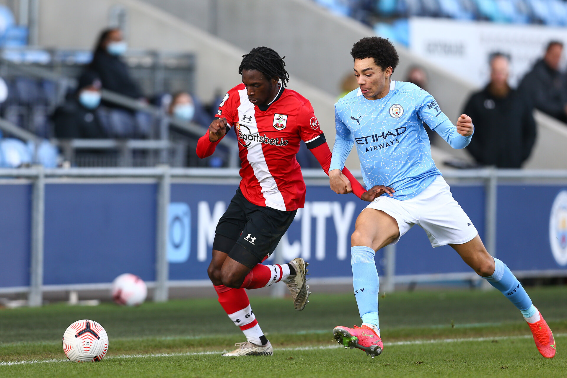 MANCHESTER, ENGLAND - MARCH 15: Zuriel Otseh-Taiwo(L) of Southampton during the Premier League 2 match between Manchester City and Southampton B Team at the City Football Academy on March 15, 2021 in Southampton, England.  (Photo by Isabelle Field/Southampton FC via Getty Images)