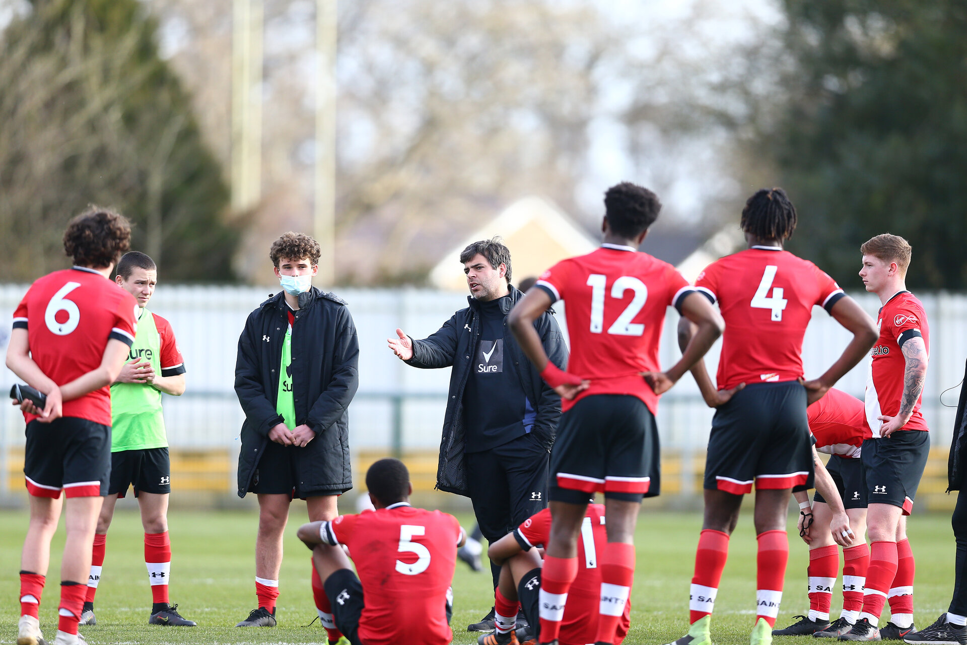SOUTHAMPTON, ENGLAND - MARCH 21: David Horseman Southampton B Team head coach talking to players at the end of the Premier League 2 match between Southampton B Team and Liverpool at the Snows Stadium on March 21, 2021 in Southampton, England.  (Photo by Isabelle Field/Southampton FC via Getty Images)