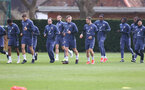SOUTHAMPTON, ENGLAND - APRIL 08: Southampton players warm up during a Southampton FC training session at the Staplewood Campus on April 08, 2021 in Southampton, England. (Photo by Matt Watson/Southampton FC via Getty Images)