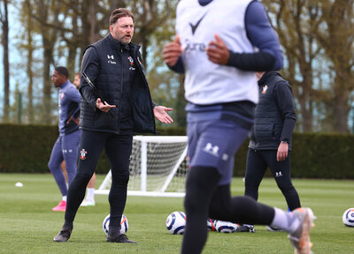 Hasenhüttl expects energetic battle with Leeds